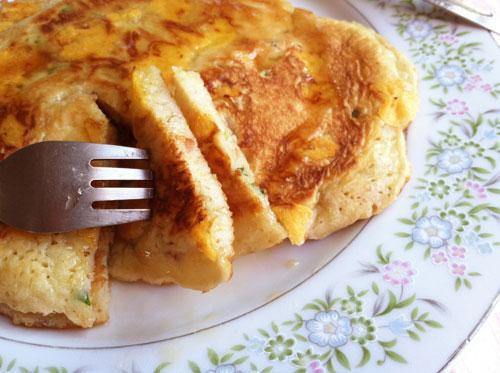 cheddar-bacon-pancakes-closeup